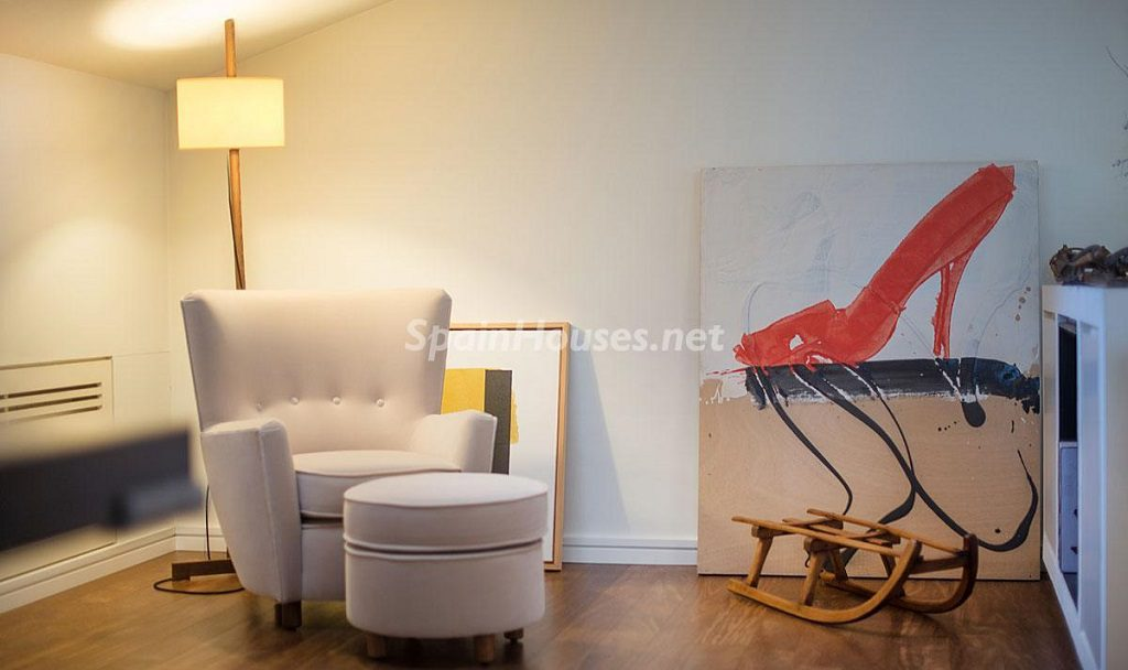 catellvidelamarca barcelona 1024x608 - 11 casas de diseño minimalista con un sofisticado y espectacular toque de blanco, luz y mar