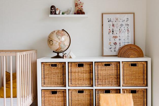 cesta mimbre - Renueva el look de tu casa: tendencias en decoración para primavera de 2021