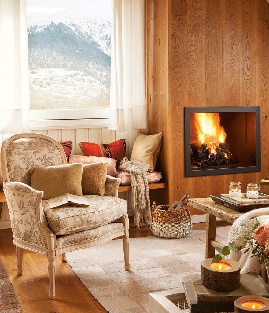 chimenea salon 880x1024 - Precioso refugio en Baqueira (Valle de Arán): nieve, montaña y calidez en Lleida