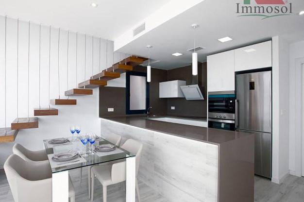 cocina 1 4 - Chalet de lujo en Alicante: confort y excelente ubicación