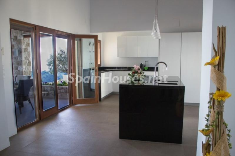 cocina 19 - Lujosa casa vestida de piedra en Benitachell (Costa Blanca) con vistas panorámicas al mar