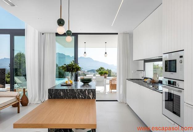 cocina 2 1 - Villa de lujo en Alicante: luminosa y muy espaciosa