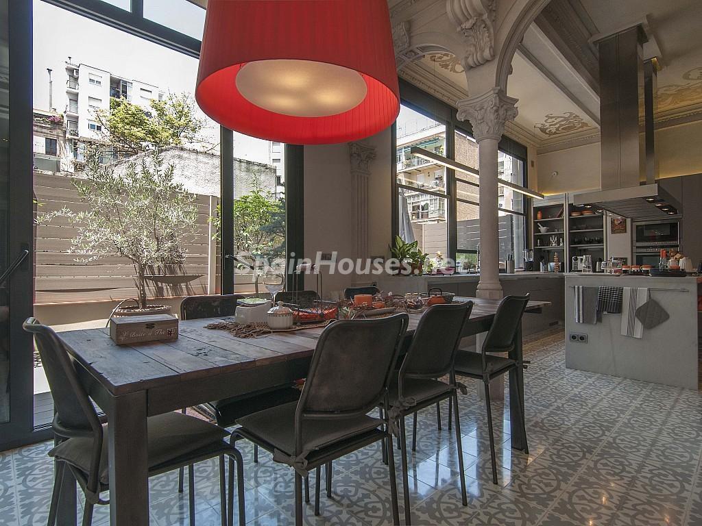 cocina 35 1024x768 - Piso modernista en el Eixample (Barcelona): fusión espectacular de luz y elegancia