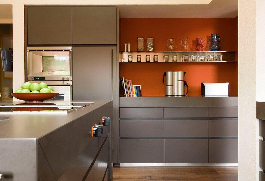 cocina 37 1024x701 - Inspiración, color y elegancia en una preciosa casa en Sotogrande (Costa de la Luz, Cádiz)