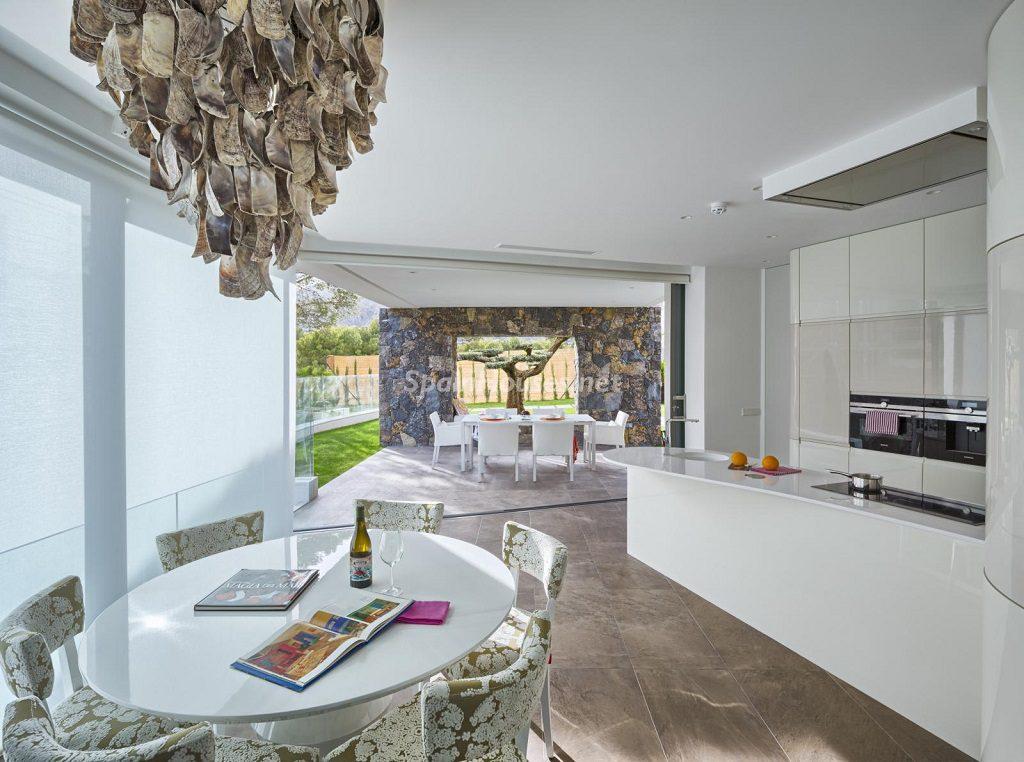 cocina 41 1024x762 - Diseño contemporáneo a estrenar en una fantástica villa en Finestrat (Costa Blanca, Alicante)