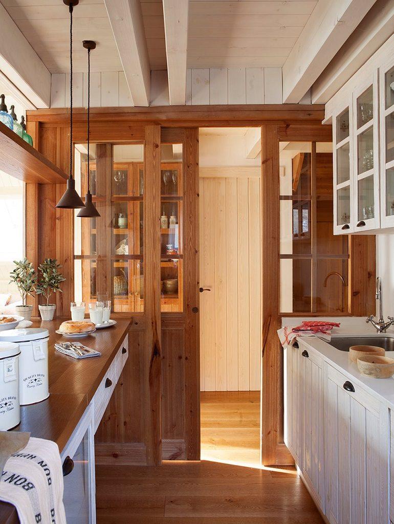 cocina 46 770x1024 - Precioso refugio en Baqueira (Valle de Arán): nieve, montaña y calidez en Lleida