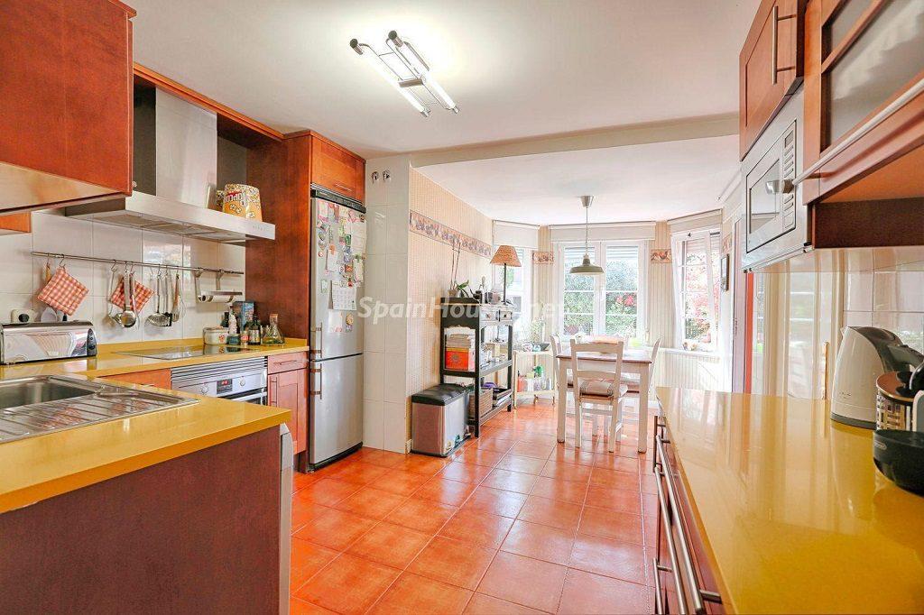cocina 49 1024x682 - Cálido y familiar chalet en Encinar de los Reyes, La Moraleja (Alcobendas, Madrid)