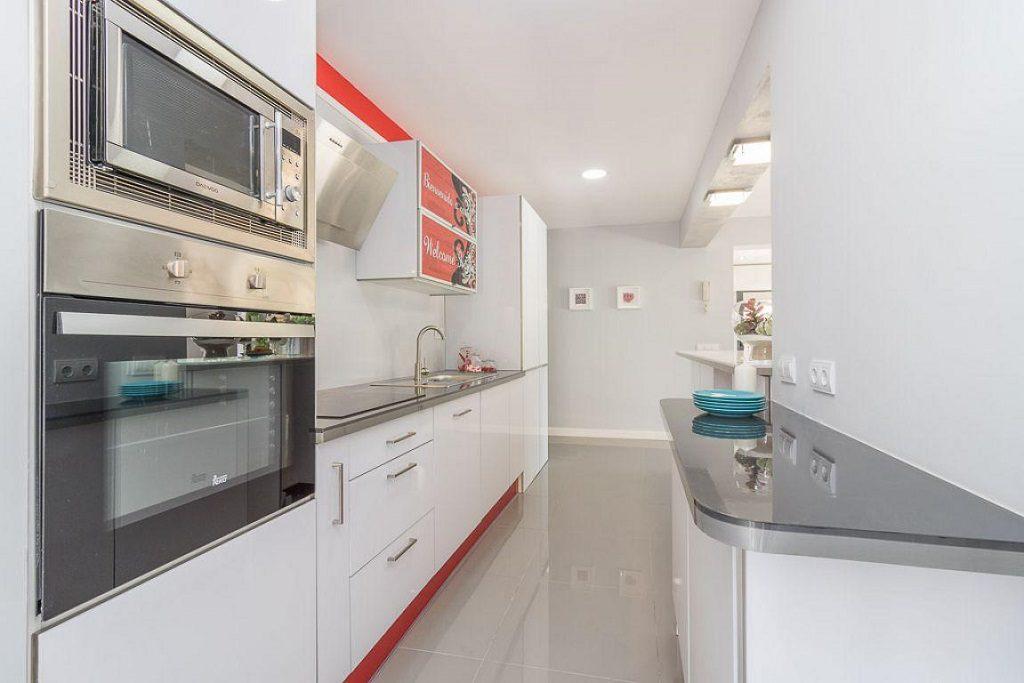 cocina 82 1024x683 - Preciosa casa de diseño en Orihuela Costa (Costa Blanca), en 2ª línea de playa