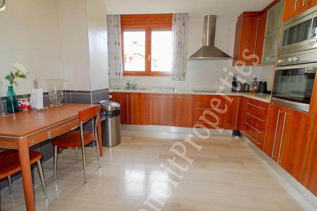 cocina 91 - La casa de tus sueños es este chalet de lujo en Alicante situado junto al mar