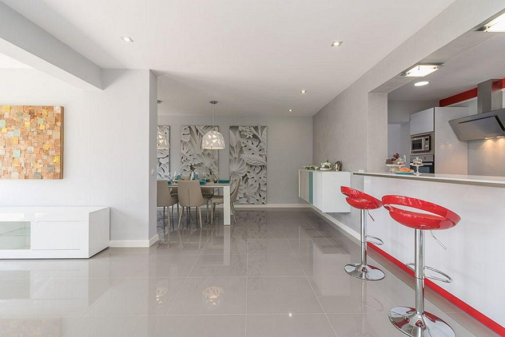 cocina comedor 5 1024x683 - Preciosa casa de diseño en Orihuela Costa (Costa Blanca), en 2ª línea de playa