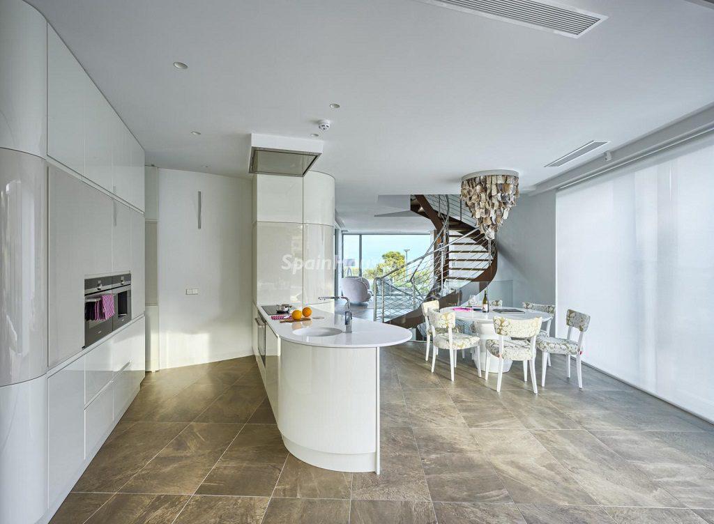 cocina1 12 1024x752 - Diseño contemporáneo a estrenar en una fantástica villa en Finestrat (Costa Blanca, Alicante)