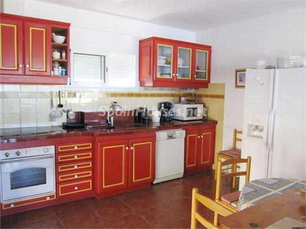 cocina16 - Casa de la Semana: Preciosa villa en alquiler de vacaciones en El Port de la Selva (Girona)