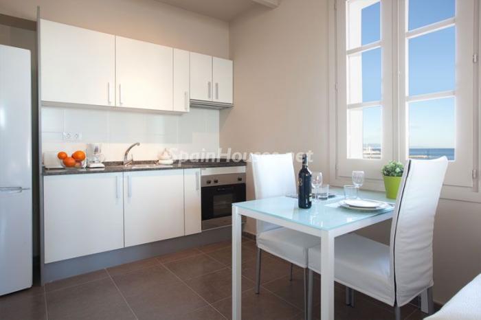 cocina17 - Casa de la semana: Coqueto estudio lleno de luz en la playa de la Barceloneta, Barcelona