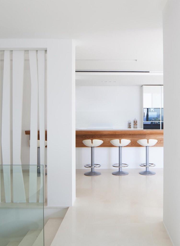 cocina2 1 751x1024 - Espectacular y moderna villa en Roca LLisa (Ibiza): sereno minimalismo con vistas