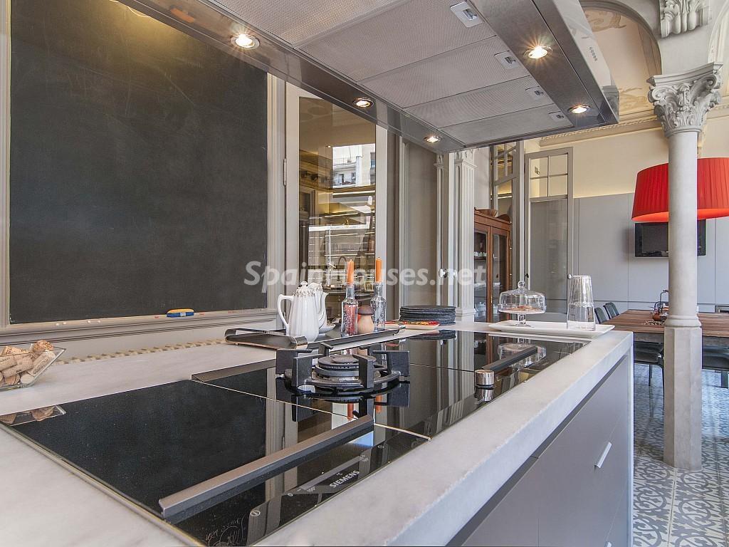cocina2 5 1024x768 - Piso modernista en el Eixample (Barcelona): fusión espectacular de luz y elegancia