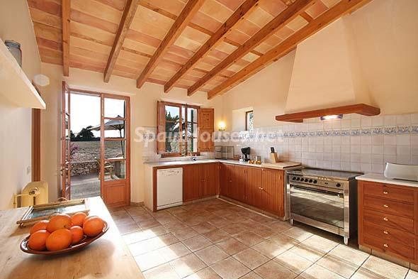 Mu00e1s fotos, informaciu00f3n y precio : Villa en alquiler de vacaciones en ...