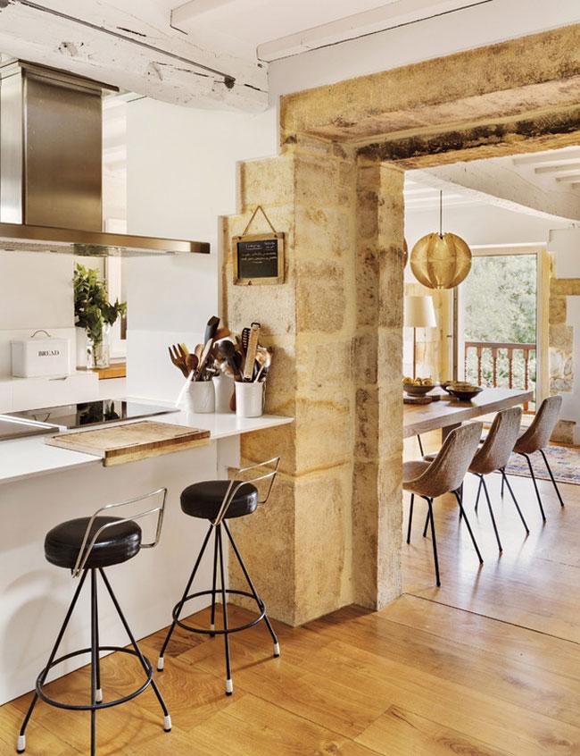 cocina43 - El reino de lo esencial en una bonita casa en el Valle de Buelna, Cantabria