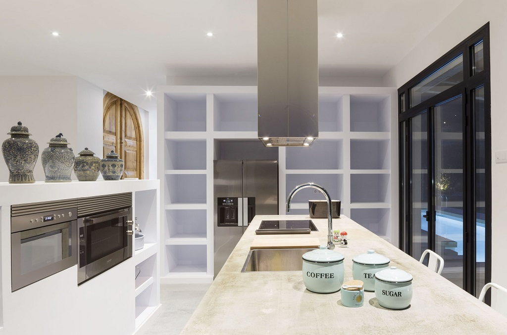 cocina48 - Fantástica casa llena de luz y elegante sencillez en Badalona (Barcelona)