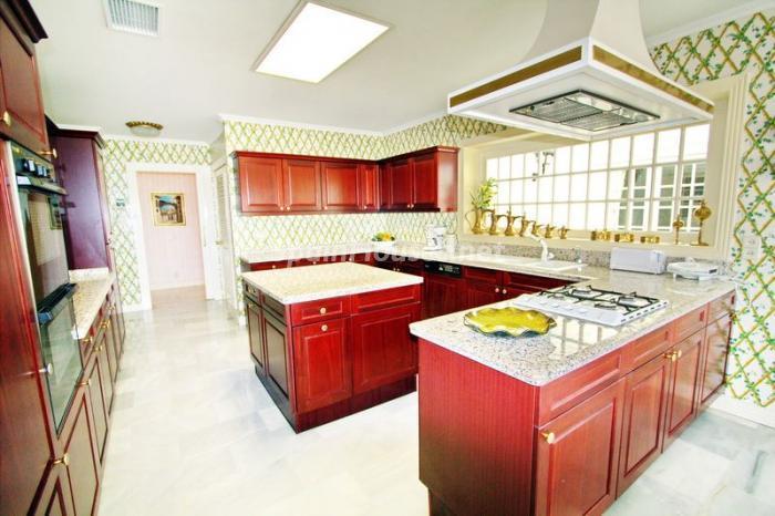 cocina7 - Casa de la Semana: Espectacular villa palaciega en Altea, Costa Blanca