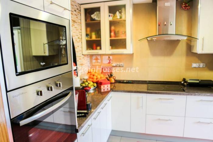 cocina75 - Una casa coqueta, navideña y confortable en Miami Playa (Costa Dorada, Tarragona)