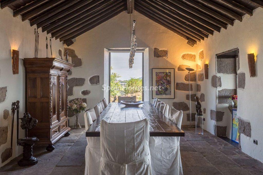 comedor 13 1024x682 - Elegante y sereno toque otoñal en una bonita casa en Tafira, Las Palmas de Gran Canaria