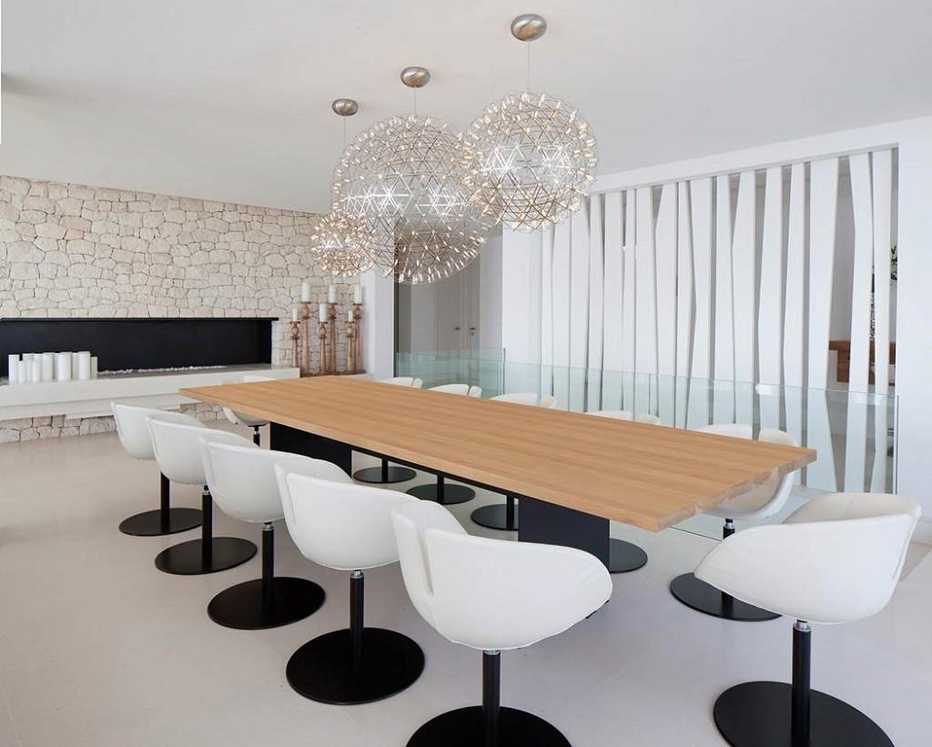 comedor 8 1024x821 - Espectacular y moderna villa en Roca LLisa (Ibiza): sereno minimalismo con vistas