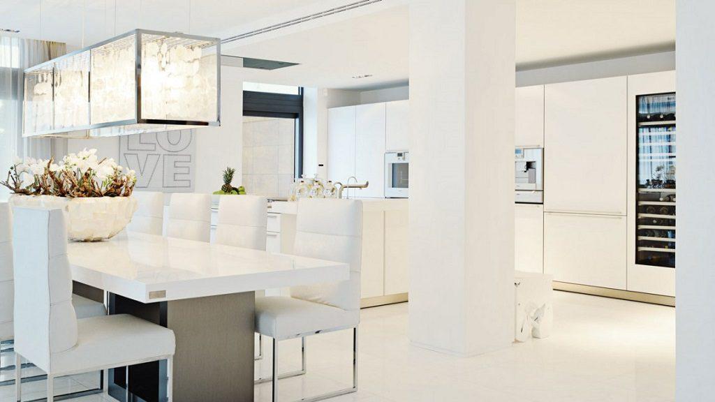 comedor cocina 5 1024x576 - Altea Hills: Villas de diseño mediterráneo con vistas al mar en Costa Blanca (Alicante)