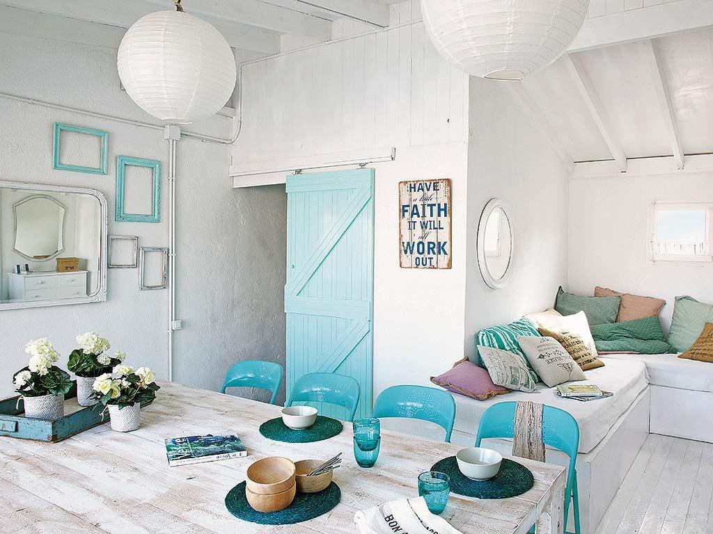 comedor salon 1024x768 - De garaje a original casa en Barcelona: luminosa y llena de encanto vintage