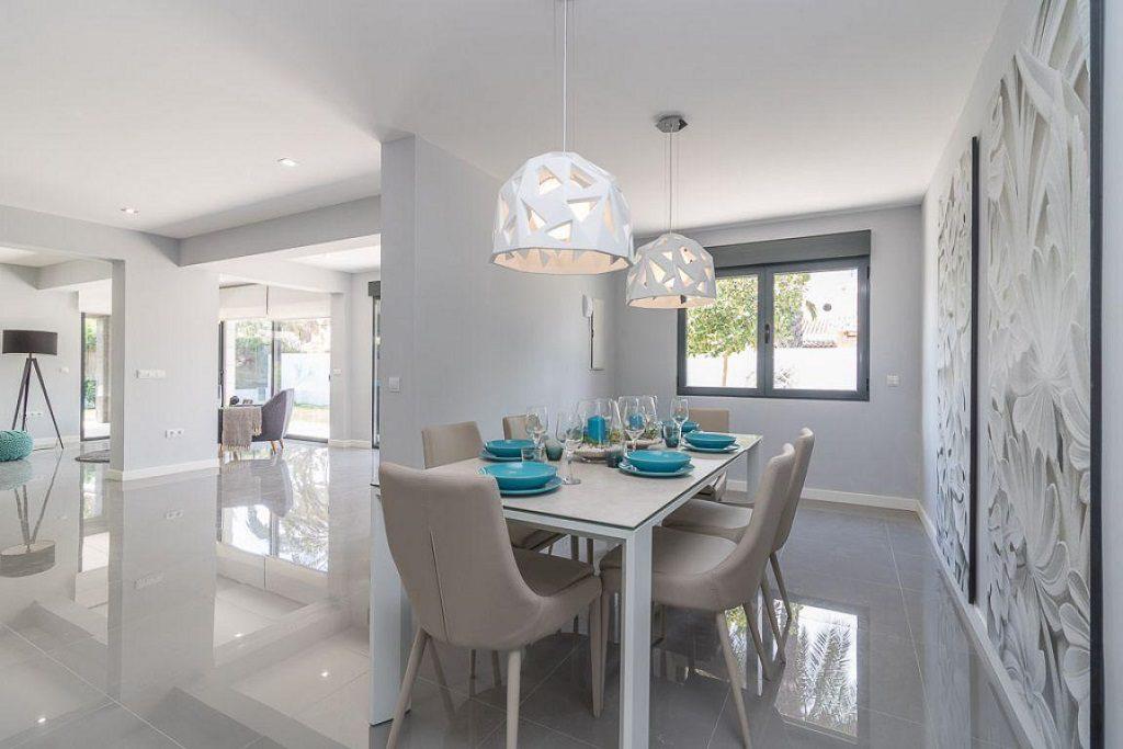comedor salon 6 1024x683 - Preciosa casa de diseño en Orihuela Costa (Costa Blanca), en 2ª línea de playa