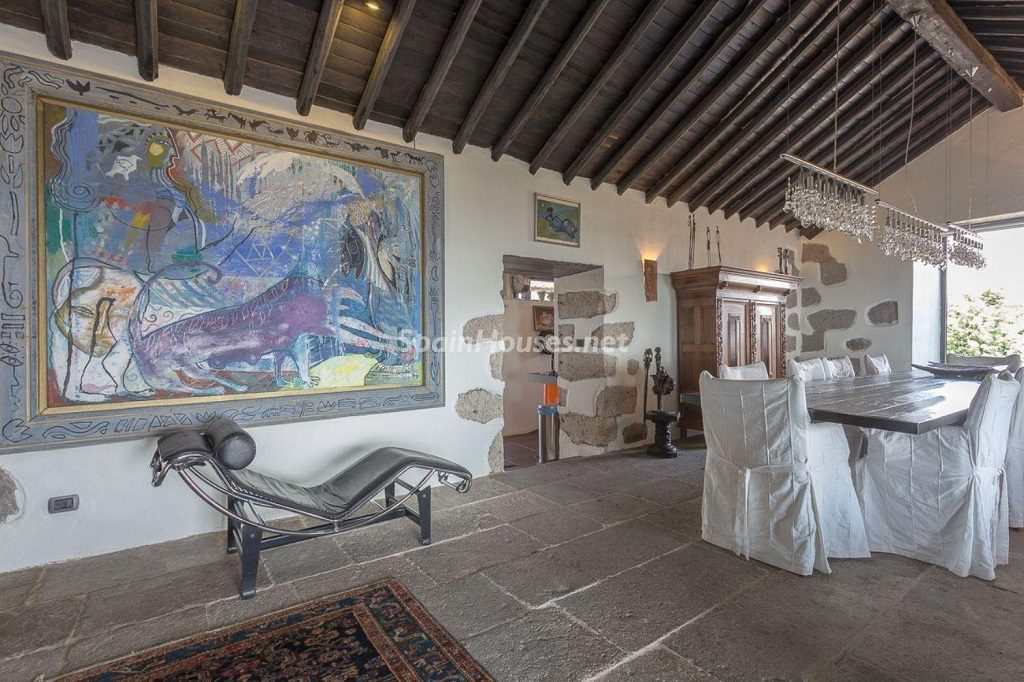 comedor3 1 1024x682 - Elegante y sereno toque otoñal en una bonita casa en Tafira, Las Palmas de Gran Canaria