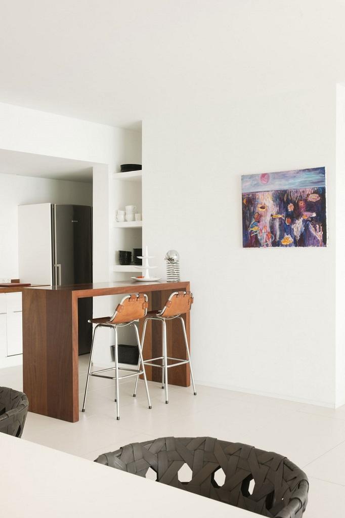 comedorycocina1 - Preciosa villa en Ibiza de espectacular y radiante blanco minimalista junto al mar