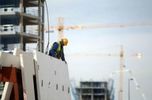 construccion11 300x199 - Los visados para construir vivienda nueva repuntan un 5,7% hasta septiembre