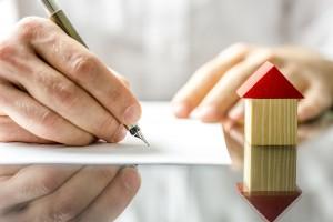 contrato alquilervivienda 300x200 - 12 consejos que te ayudarán a encontrar y alquilar una vivienda