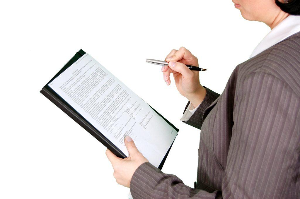 contrato hipoteca 1024x680 - Revisa tu hipoteca: 10 cláusulas abusivas anuladas por la justicia