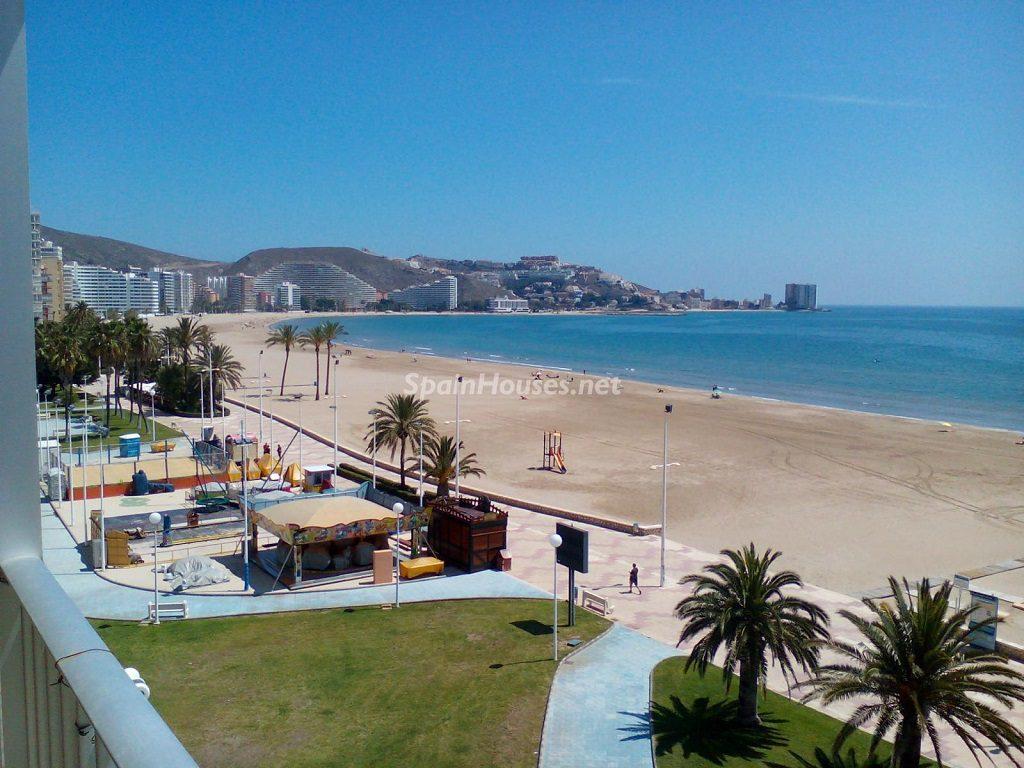 cullera valencia 3 1024x768 - Primera línea de playa: 14 bonitos apartamentos y pisos para disfrutar junto al mar