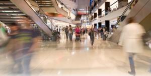 decompas 300x152 - El Gobierno impone a 14 grandes municipios turísticos libertad de horarios comerciales