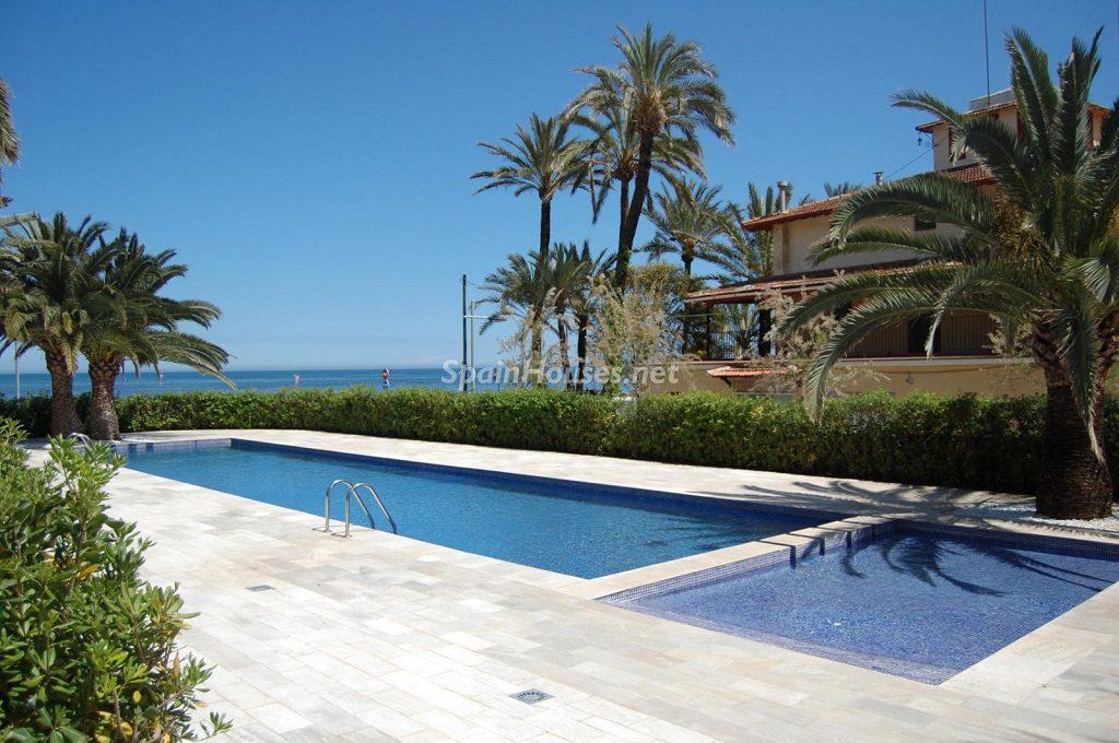 denia alicante 2 1024x680 - Sugerencias refrescantes para el verano: 19 pisos con piscina en la ciudad o junto al mar