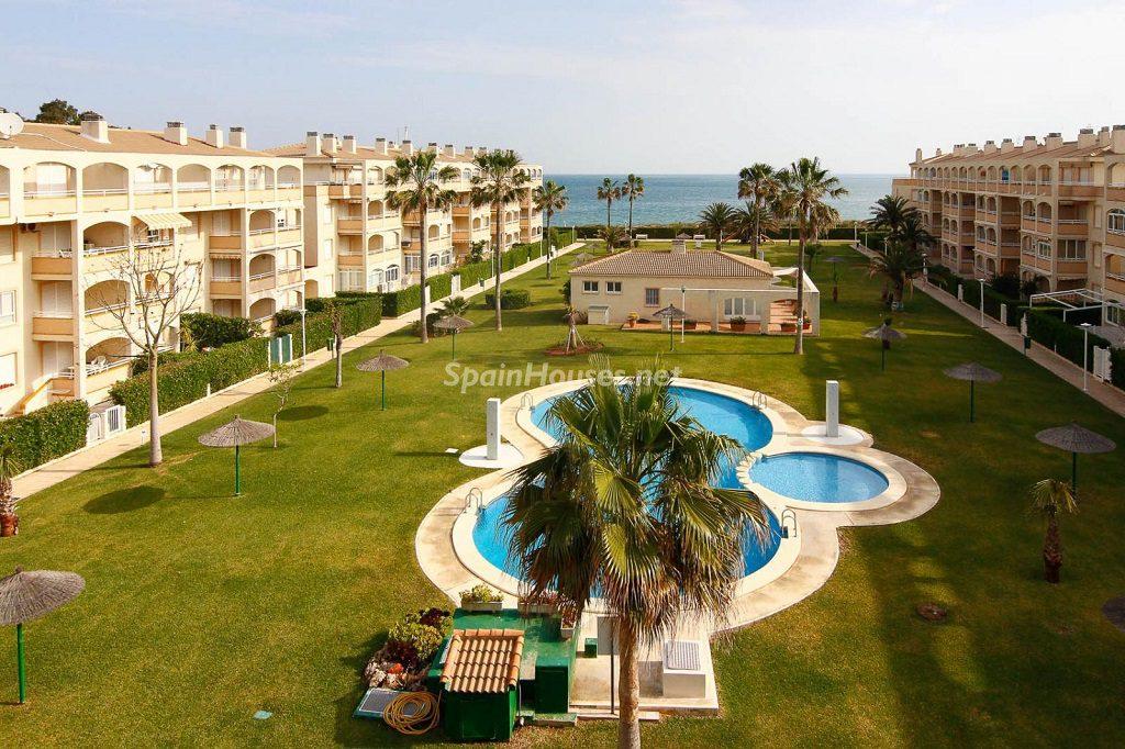 denia alicante 7 1024x682 - 20 pisos en la costa con vistas al mar por menos de 200.000 euros