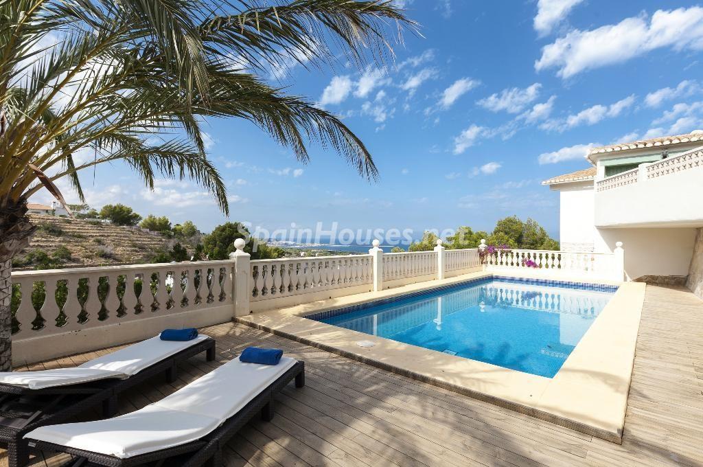 denia alicante1 1 1024x680 - 23 viviendas de vacaciones perfectas para Semana Santa: playa, mar y naturaleza