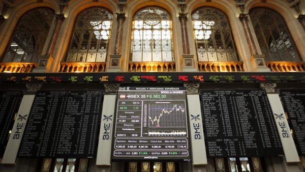 descarga 600x338 - Los bancos catalanes sufren una caída en bolsa como consecuencia del 1-O