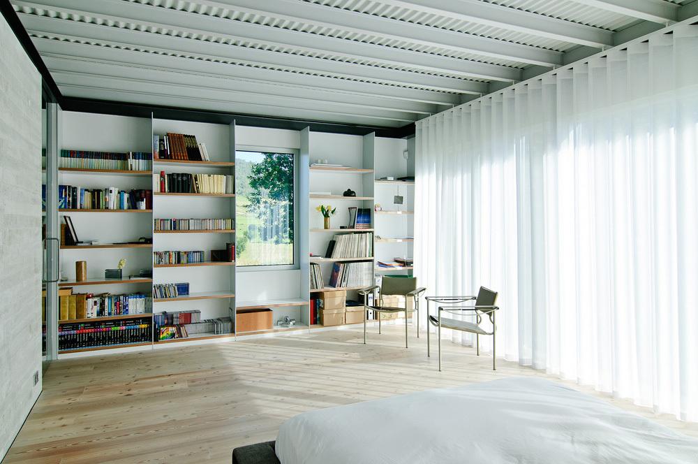 detalle dormitorio1 - Interesante casa de estilo industrial entre los verdes campos de Cantabria