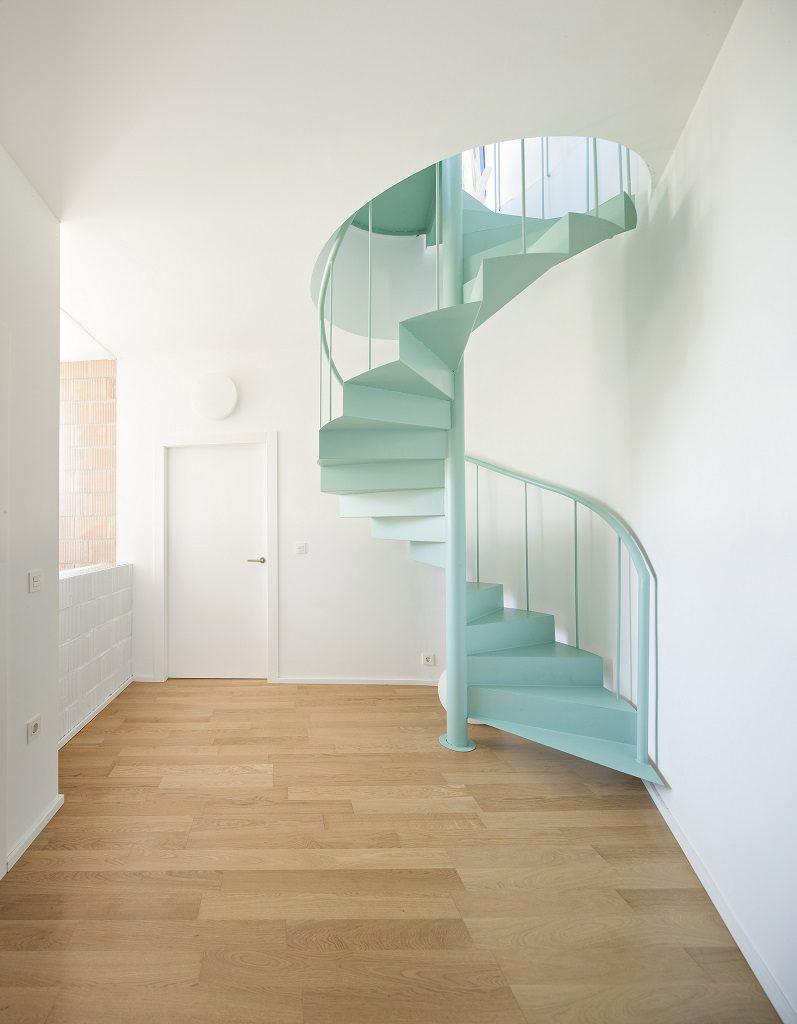detalle escalera1 2 797x1024 - Casa de los Vientos: Adaptación para el verano en La Línea de la Concepción (Cádiz)