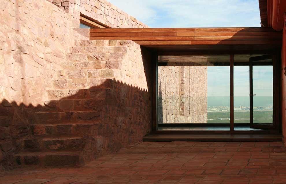 """detalle exterior 3 - """"Paz y Comedias"""": Piedra, elegancia y armonía en la Sierra de Valencia"""