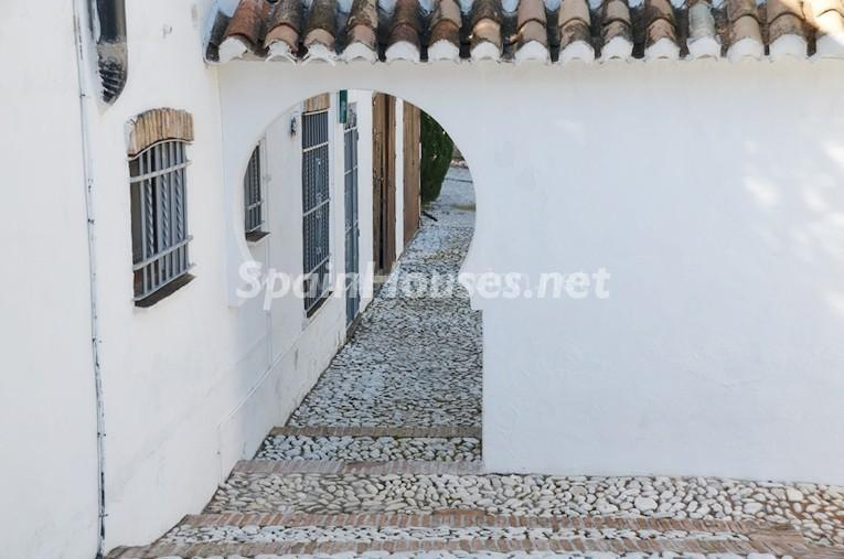 detalle exterior1 2 - Vacaciones llenas de encanto en un cortijo andaluz en Frigiliana (Costa del Sol, Málaga)