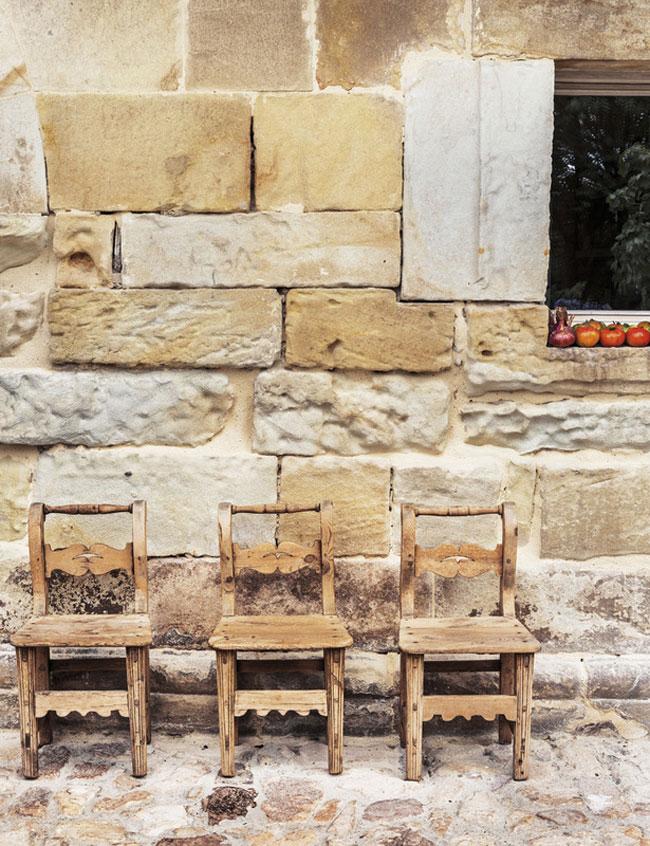 detalle exterior1 - El reino de lo esencial en una bonita casa en el Valle de Buelna, Cantabria