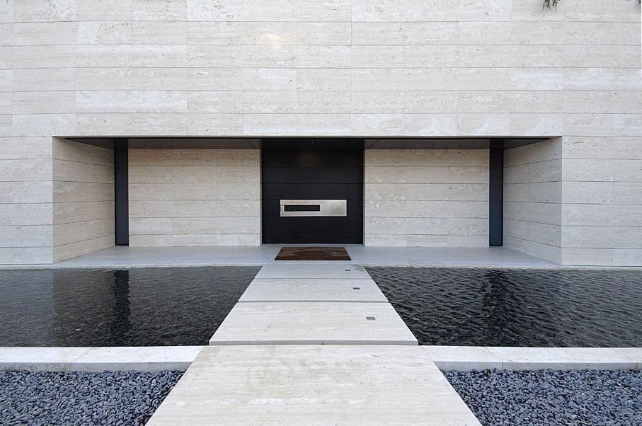detalle exterior11 - Diseño contemporáneo y minimalista en La Finca, Pozuelo de Alarcón (Madrid)