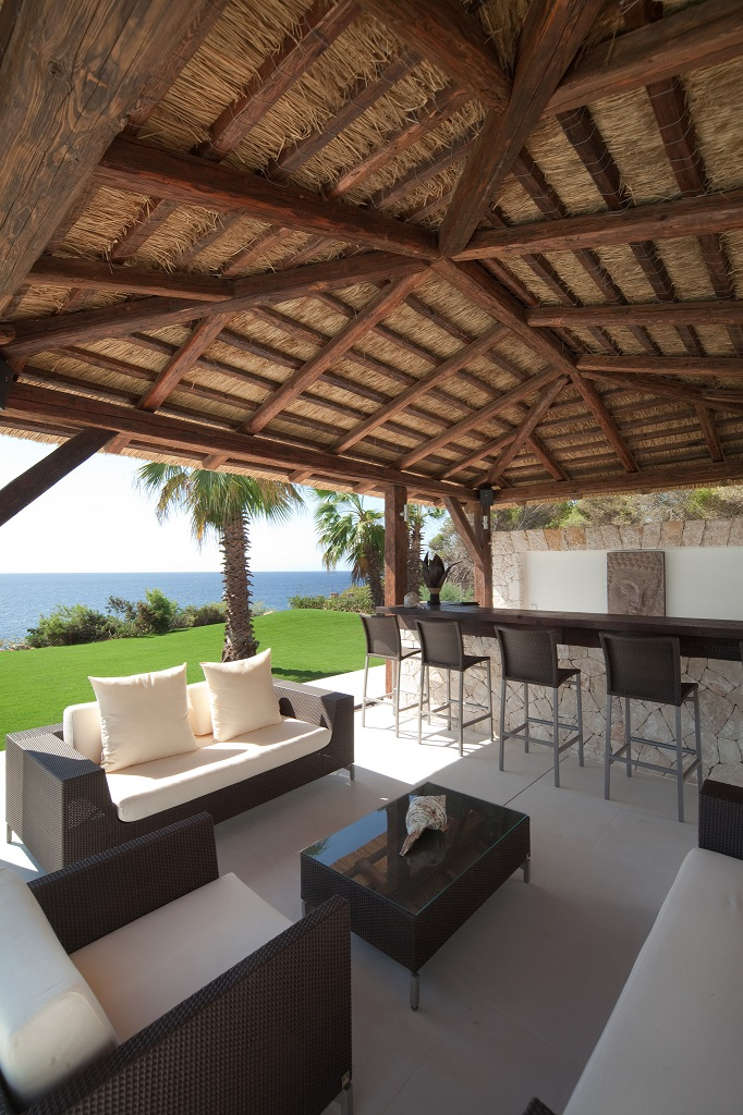 detalle exterior3 - Espectacular y luminosa casa de diseño frente al mar en Cala d'Or, Santanyí (Mallorca)