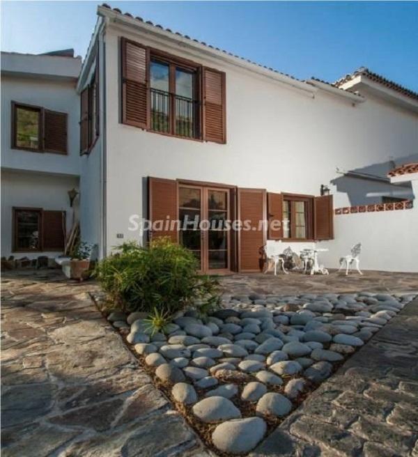 detalle fachadacasa - Sabor canario en una fantástica casa con piscina y jardin en Arona (Tenerife)