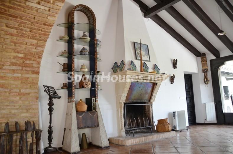 detalle interior 4 - Vacaciones llenas de encanto en un cortijo andaluz en Frigiliana (Costa del Sol, Málaga)