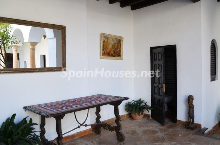 detalle patio3 - Vacaciones llenas de encanto en un cortijo andaluz en Frigiliana (Costa del Sol, Málaga)